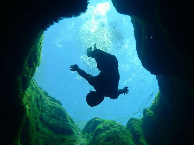 Sombra de banhista que mergulhou no poço (Foto: Creative Commons/PaddyMurphy)