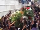 Corpo de dançarino do 'Esquenta!' é enterrado com chuva, funk e aplausos