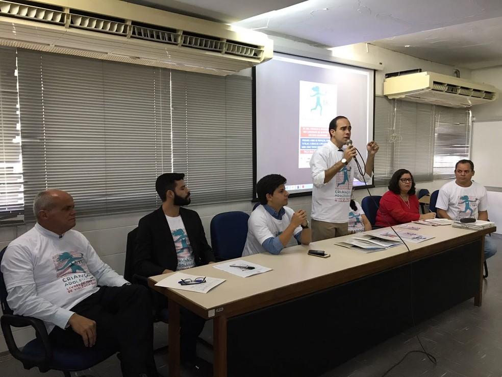 Lançamento da campanha de enfrentamento a esse tipo de violência ocorreu no Recife nesta quinta-feira (4) (Foto: Thays Estarque/G1)