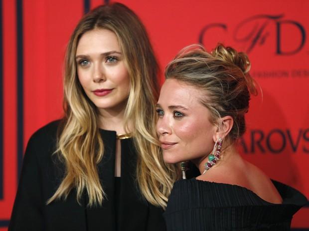 Elizabeth Olsen e Mary Kate Olsen em evento em Nova York,  nos Estados Unidos (Foto: Lucas Jackson/ Reuters)