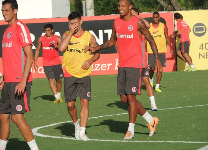Réver Alex Alan Costa Luque Fabrício Inter (Foto: Tomás Hammes / GloboEsporte.com)