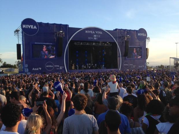 Mais de 120 mil pessoas acompanharam show ao ar livre em Porto Alegre (Foto: Rafaella Fraga/G1)