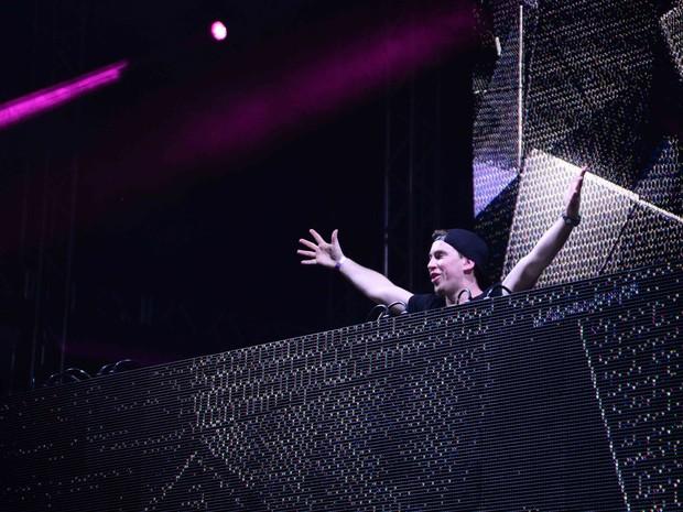 DJ Hardweel se apresenta em festa na Zona Sul do Rio (Foto: Ari Kaye/ Divulgação)