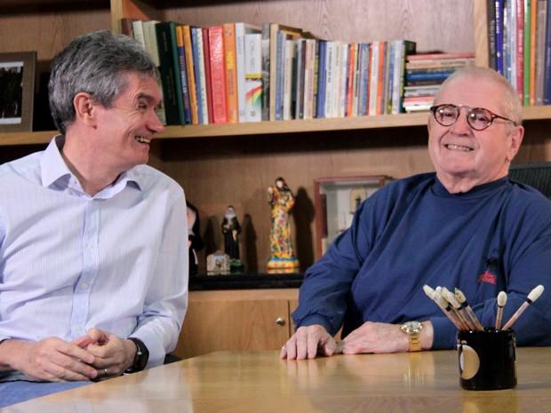 Serginho Groisman entrevista o apresentador Jô Soares (Foto: TV Globo/Altas Horas)