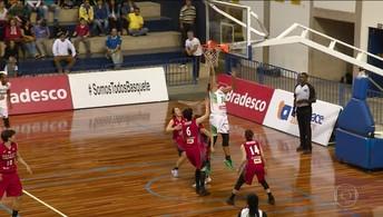 Seleção feminina de basquete vence o Japão em amistoso de preparação