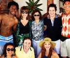 O elenco de 'Geração Brasil' com a diretora Denise Saraceni. Eles gravaram as últimas cenas dos Marra da Taquara, que vão terminar a história uma casa com piscina | Reprodução