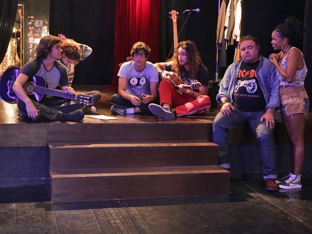 Pedro e Sol comemoram saída de Vicki da banda (Foto: Pedro Curi/Gshow)