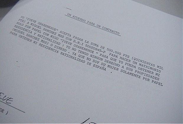 Contrato de matrimônio de conveniência para legalizar a situação das traficadas (Foto: Reprodução)