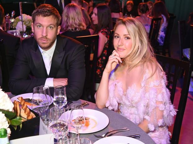 Calvin Harris e Ellie Goulding em premiação em Londres, na Inglaterra (Foto: David M. Benett/ Getty Images)