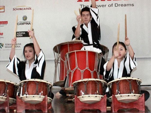 Grupo Wabaiko Tsubame durante apresentação da 8ª edição do evento (Foto: Paulo Higaki)