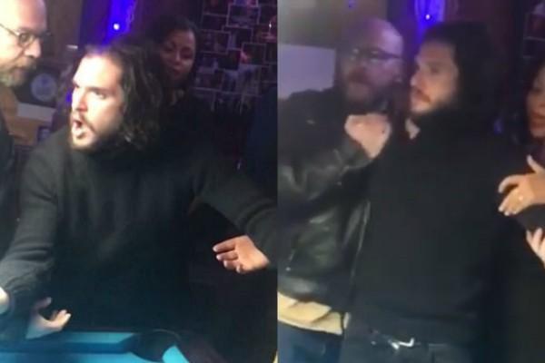 Kit Harington em um bar de Nova York (Foto: Reprodução Youtube)
