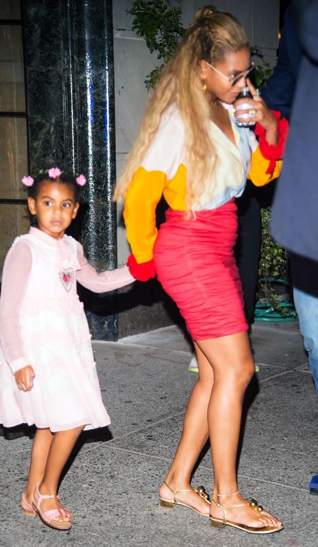 Beyoncé e Blue Ivy (Foto: Grosby Group)