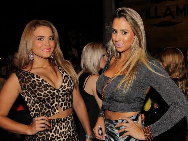 Geisy Arruda com amiga em boate (Foto: Thiago Duran/ Ag. News)