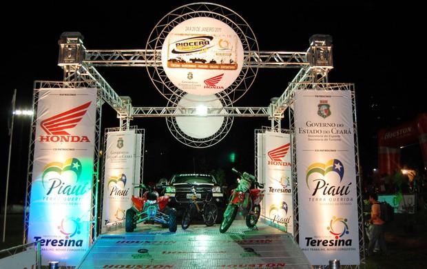 Carros, motos, quadriciclos e bikes reúnem cerca de 400 pilotos na competição (Foto: Divulgação)