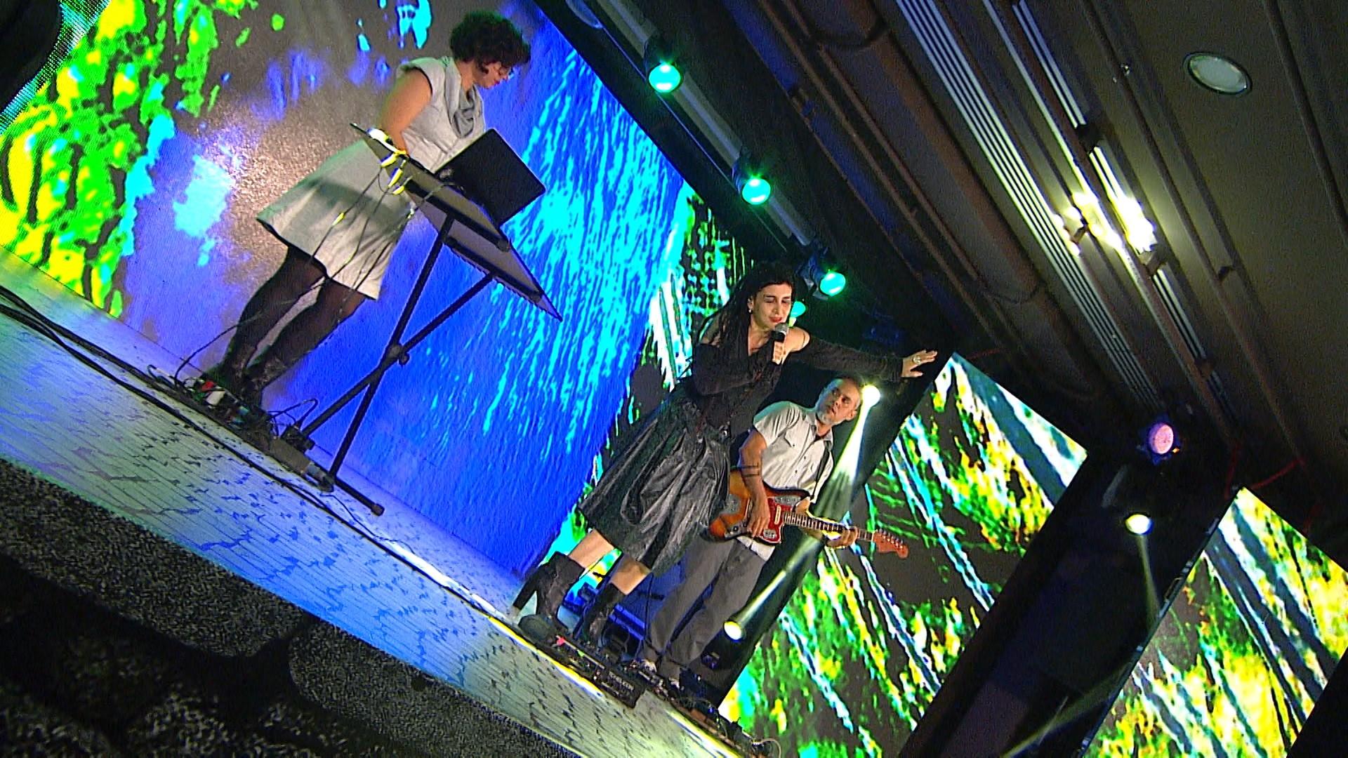 Aprovado estreia quadro musical ao som da Tropicália, com interpretação de Rebeca Matta (Foto: Divulgação)