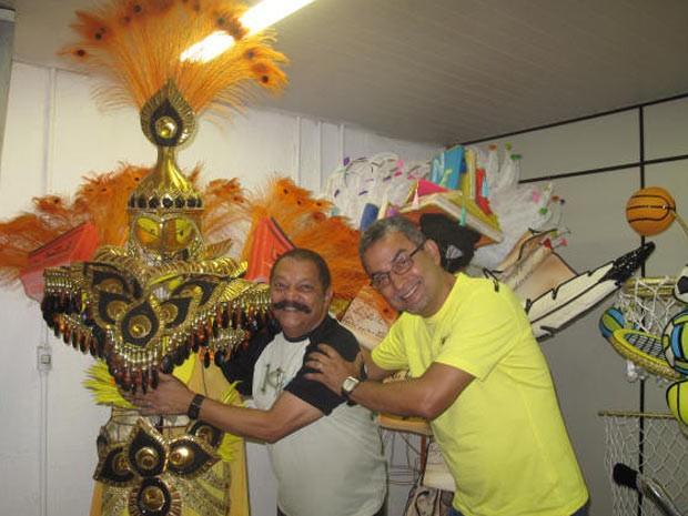 O carnalesco Max Lopes e o diretor de carnaval Roberto Gomes, da São Clemente (Foto: Alba Valéria Mendonça/ G1)