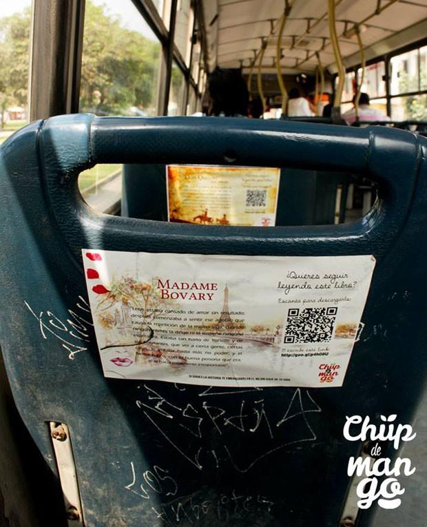 Coletivo peruano organizou o projeto de leitura em ônibus de Lima. (Foto: Reprodução/ Facebook/ Chup de Mango)