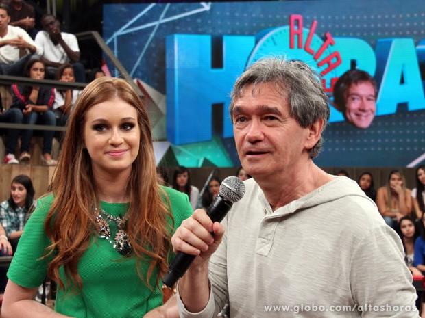 Atriz grava chamada para o programa com Serginho Groisman (Foto: TV Globo/Altas Horas)