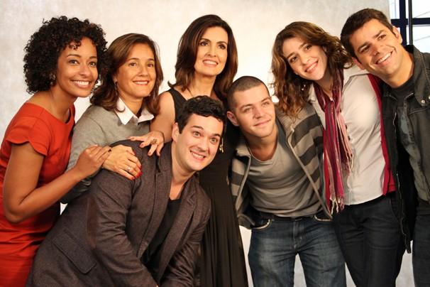 Equipe de jornalistas que acompanham Fátima Bernardes no novo programa da apresentadora (Foto: Nathalia Fernandes/TV Globo)