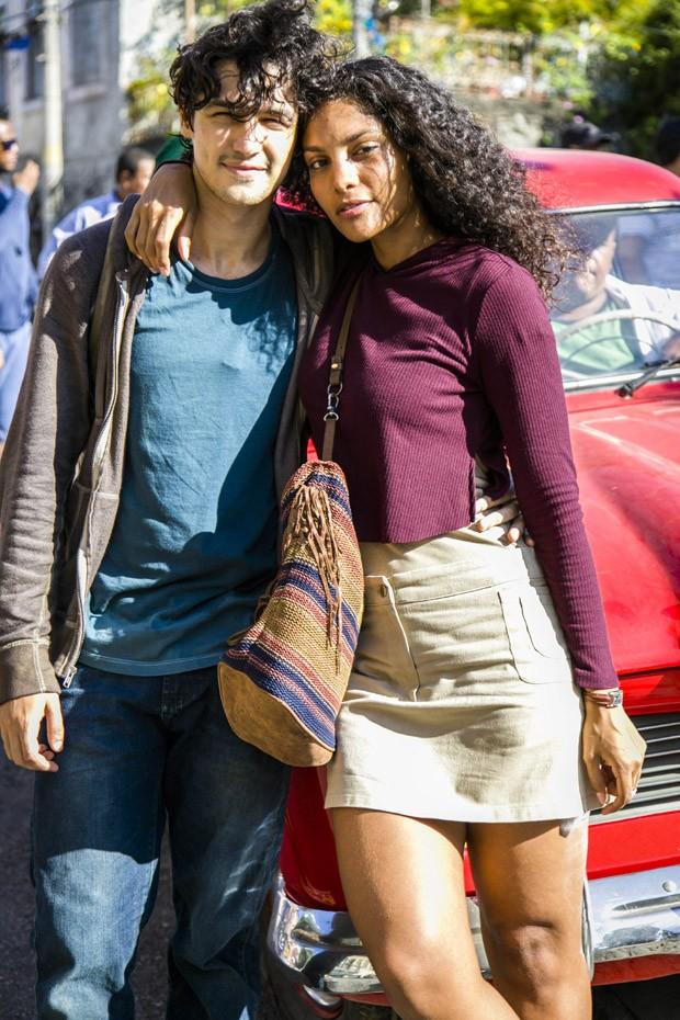 Gabriel Leone e Bárbara Reis (Foto: Globo/Sergio Zalis)