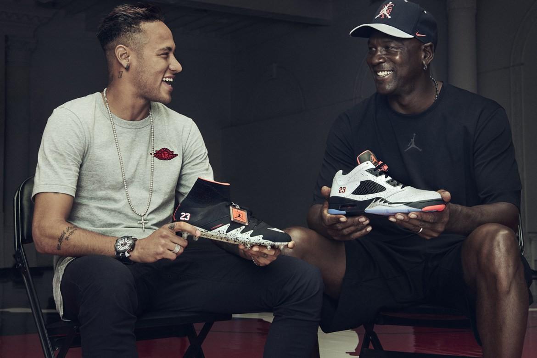 Michael Jordan e Neymar com um dos (muitos) lançamentos recentes da Jordan Brand (Foto: Divulgação)