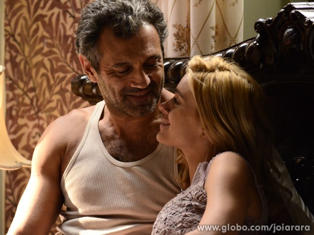 Iolanda diz que vai se separar de Ernest  (Foto: Ellen Soares/TV Globo)
