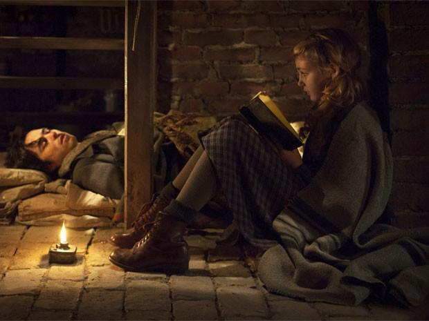 Cena de 'A menina que roubava livros' (Foto: Divulgação)