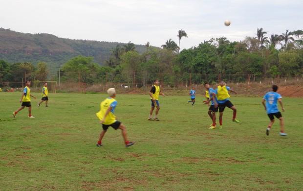 Jogadores do Inove treinam para melhorar entrosamento. Time ainda espera a chegada de mais atletas. (Foto: Marcos Martins/GLOBOESPORTE.COM)