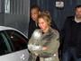 Beyoncé esconde barriga e jornal diz que ela está grávida de Jay Z