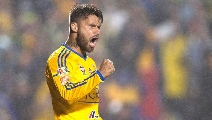 Rafael Sobis, comemora gol do Tigres contra o Veracruz (Foto: Agência AFP)