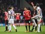 """Chamado de """"garoto estúpido"""" após expulsão, Juan Mata pede desculpas"""