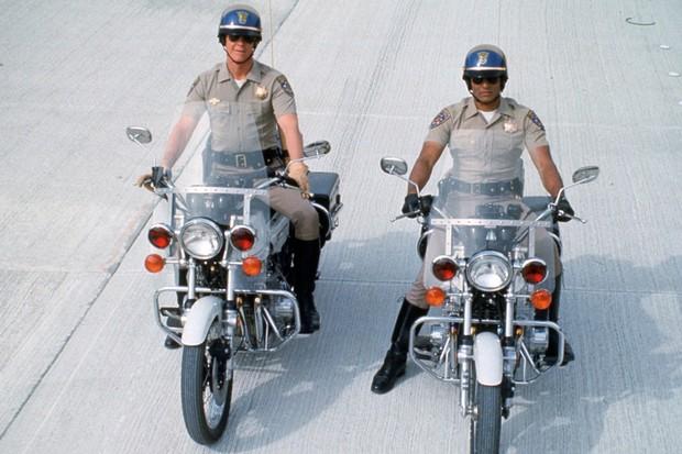 Na série CHiPS original, as motos eram da Kawasaki, nada de Harley-Davidson (Foto: Divulgação)