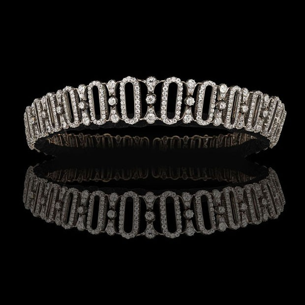 Espaço da Hancocks - Coroa da era eduardiana (1914), feita de mais de 800 diamantes, pertencente a Lady Delia Spencer, tia avó da Princesa Diana (Foto: Divulgação)