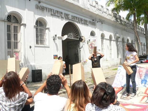 Estudantes durante oficina do I Festival da Juventude. (Foto: Divulgação/IAP)