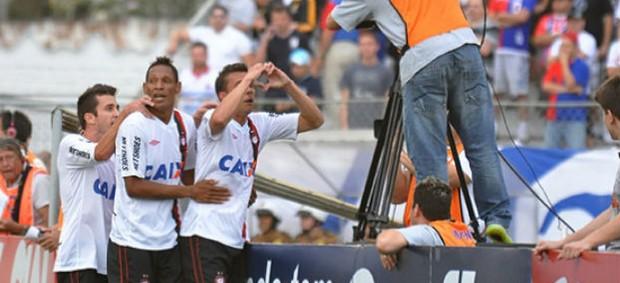 Atlético-PR comemora o gol no jogo contra o Paraná Clube (Foto: Gustavo Oliveira / site oficial do Atlético-PR)