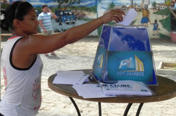 Moradores da comunidade participam diretamente do quadro e das ações (Foto: Katylenin França)