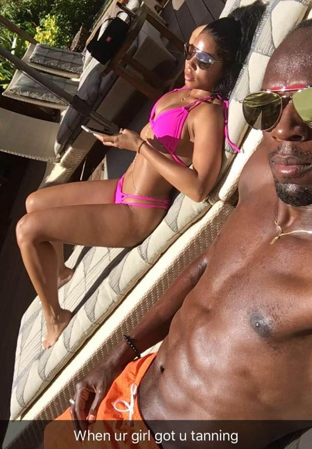 """Usain Bolt e Kasi Bennett: """"quando a sua garota faz com que você se bronzeie"""", brinca o atleta (Foto: Snapchat/Reprodução)"""