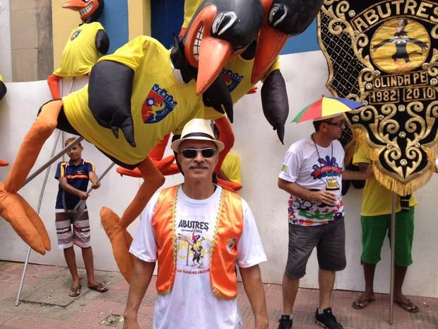 Um dos fundadores, Vicente Queiroga contou que bloco surgiu de uma brincadeira de amigos  (Foto: Lorena Andrade / G1)