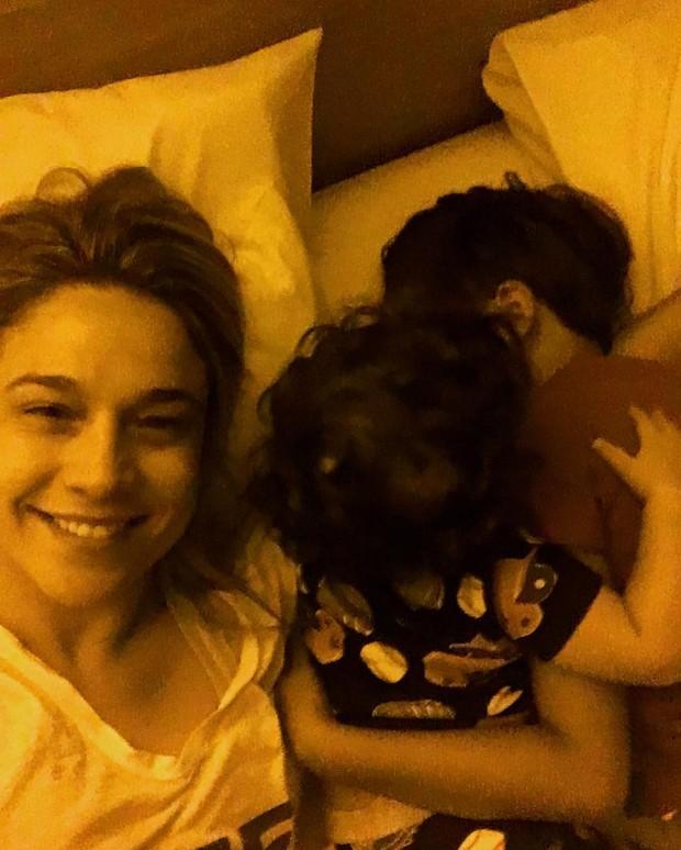 Fernanda Gentil com os filhos (Foto: Reprodução / Instagram)
