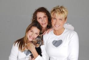 Xuxa, Sasha e Dona Alda (Foto: André Schiliró)