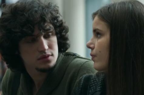 Guilherme (Gabriel Leone) e Angel (Camila Queiroz) (Foto: Reprodução)