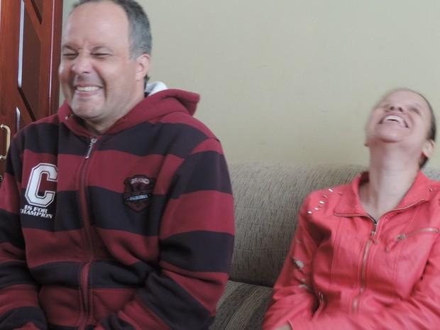 Sorrir é um hábito para o casal que se ama desde a 1ª vista (Foto: Wilton Tormena/ G1)