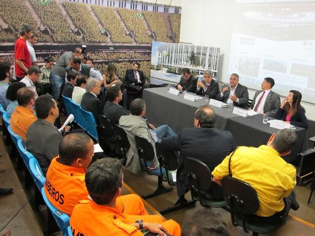 GDF anuncia estrutura para abertura da Copa das Confedereções durante entrevista coletiva nesta quarta-feira(12), em Brasília  (Foto: Gabriella Julie/G1 DF)