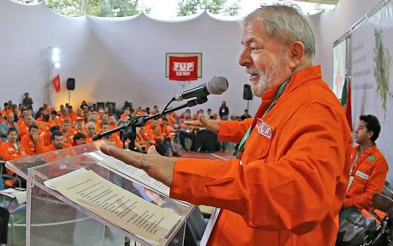 Lula discursa para sindicalistas da Federação Única dos Petroleiros (FUP) em Guararema, São Paulo (Foto: Reprodução/Ricardo Stuckert/Instituto Lula)