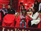 Cassio Reis e Fernanda Vasconcellos levam o pequeno Noah ao circo