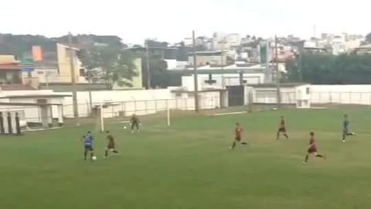 Romarinho mostra cartão de visitas e marca golaço em jogo-treino do Tupi-MG