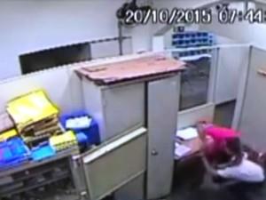Funcionário brigou com criminoso durante assalto (Foto: Reprodução/G1)