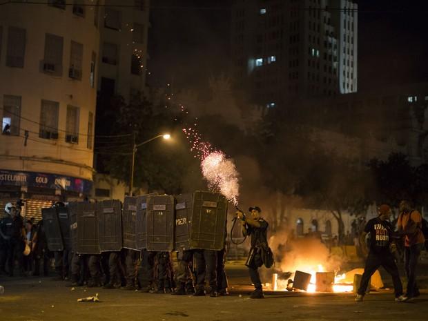 Protesto conta alta da tarifa no Rio de Janeiro (Foto: AP)