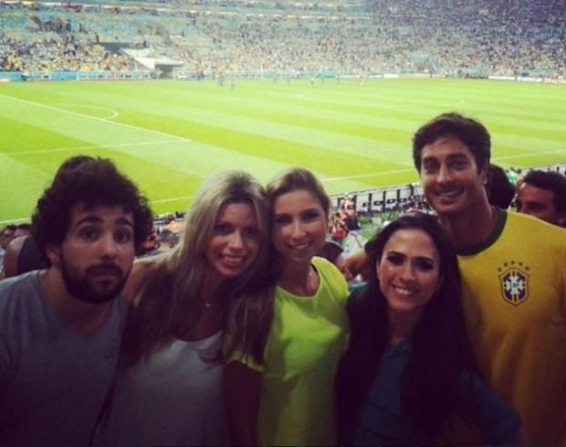 André Resende, namorado de Isis Valverde, com Tatá Werneck na Copa 2014 (Foto: Reprodução/Instagram)