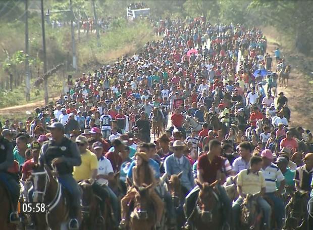 Santo não reconhecido pela Igreja tem milhares de devotos no Maranhão (Foto: Reprodução/Globo)